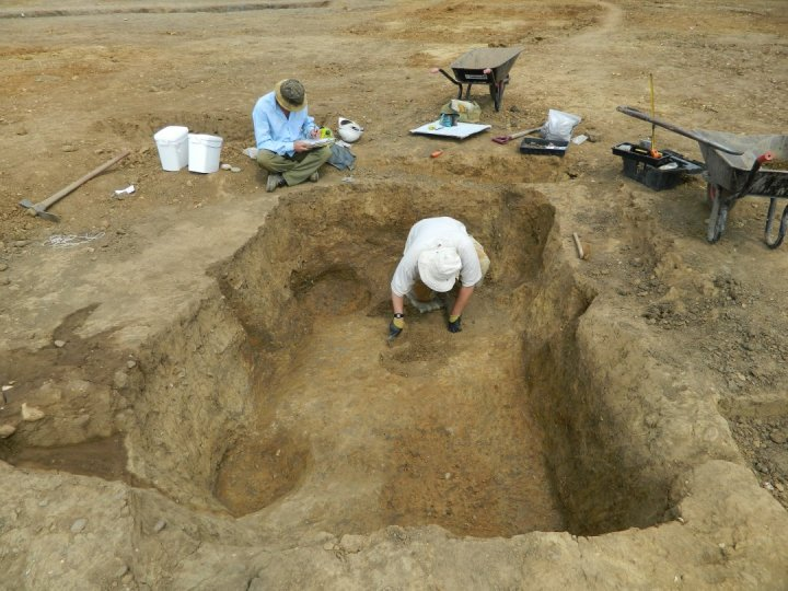 Excavating an Anglo-Saxon SFB.