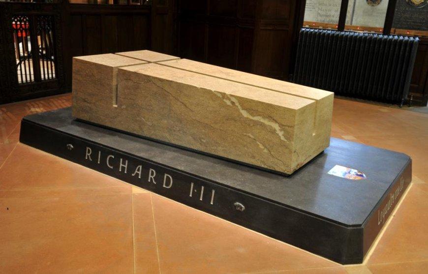 RIII-reburial1