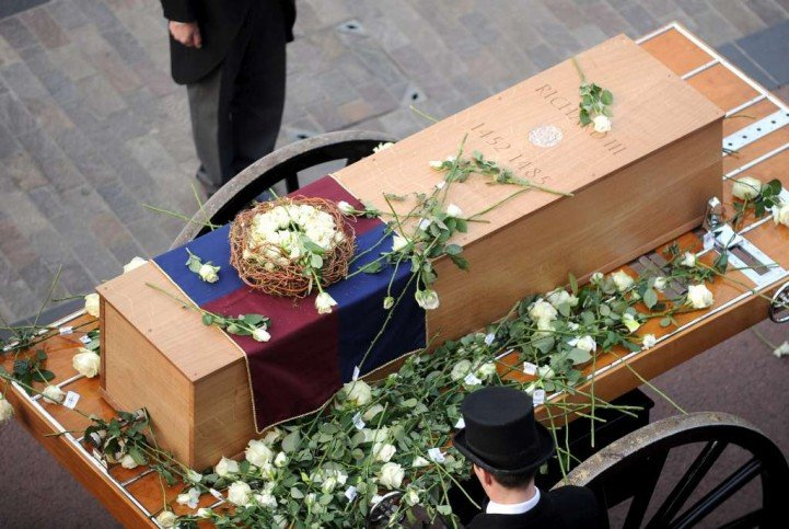 RIII-reburial2