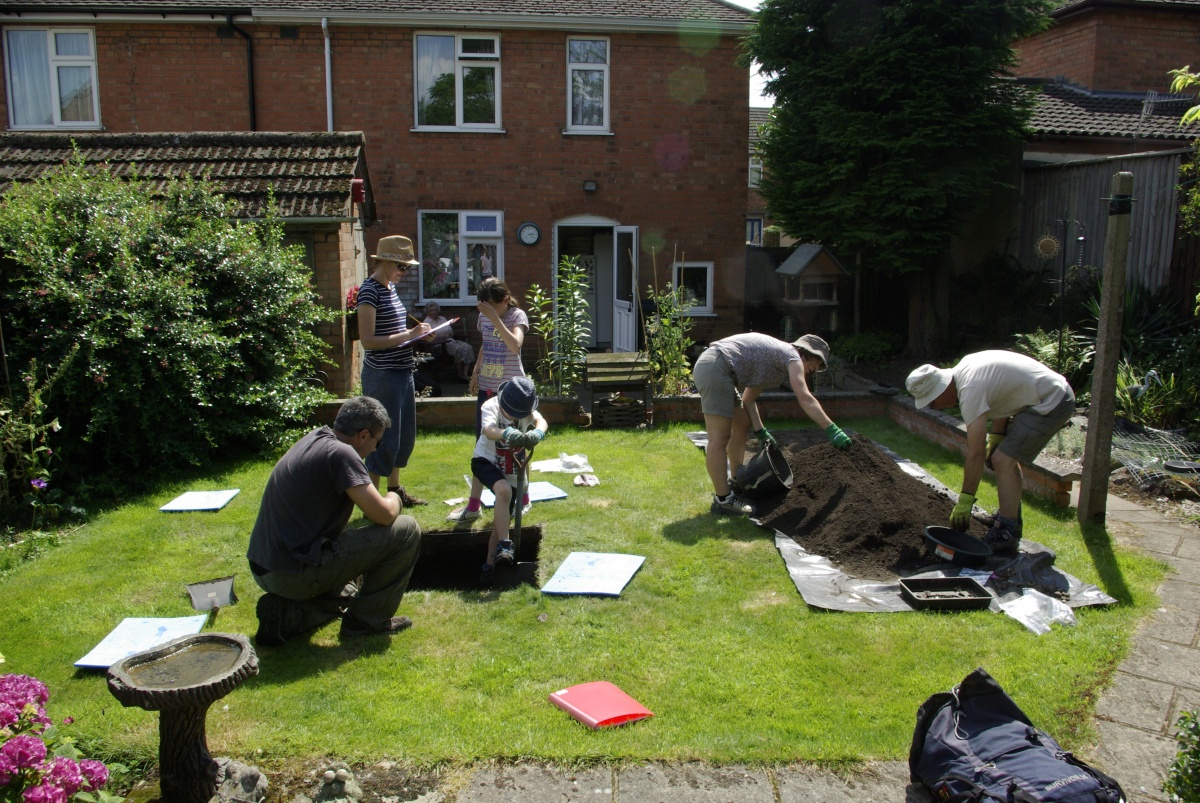 New community archaeology project in town associated with King Richard III receives funding